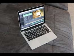 MacBook pro i5 Retina display 13 inch screen