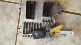 Opel corsa essentia 1,4 manifold for sale 6000 in excellent working co