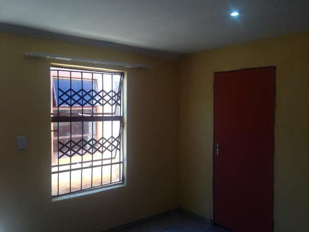 Wow Rooms to Let Soshanguve - image 6