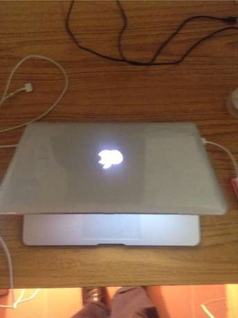 "apple macbook Air 13"" model 2015 core i5 4GB 256GB Nairobi CBD - image 2"