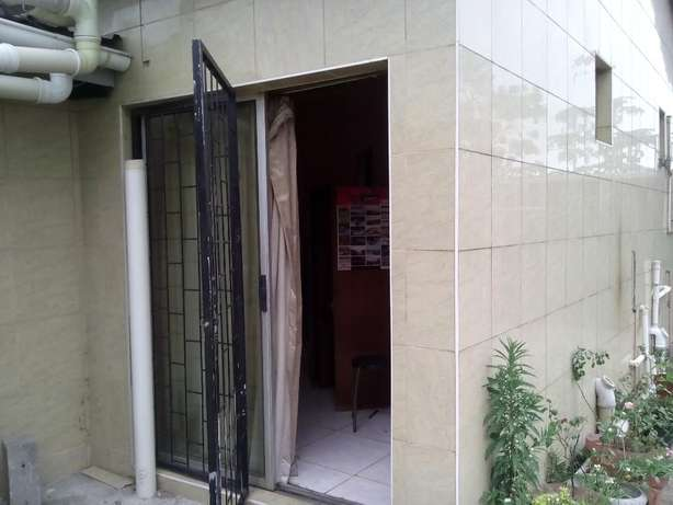 Nice room in house with own shower,toilet,basin,R3000,pref to single Montclair - image 3