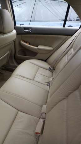 Clean leather seat tokunbo EOD 2004 Lagos Mainland - image 5