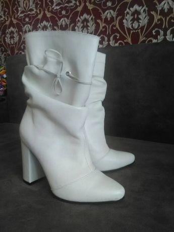 Шкіряні осінні сапожки  900 грн. - Жіноче взуття Вараш на Olx c0d91437818f3