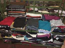 secondhand clothes for sale in and afordable and cheap price