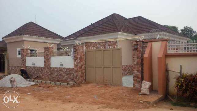 3 bedroom with dinner Abuja - image 1