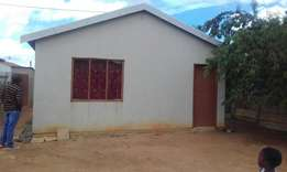House for sale in Daveyton.