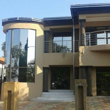 stainless pillar covers and guters installer Ekangala - image 7