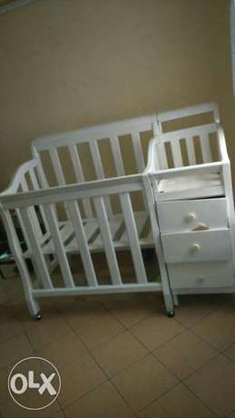 6*6 bed and a baby cot Tononoka - image 1