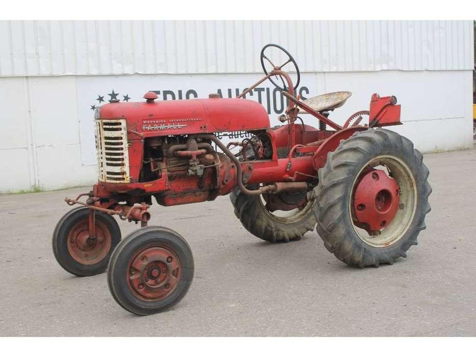 McCormick International Farmall FF Cup Tractor *DEFECT*