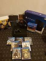 Playstation 4 pro 1tb mega bundle (boxed brand new)