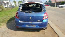 Renault clio 1.6S STRIPPING for spares