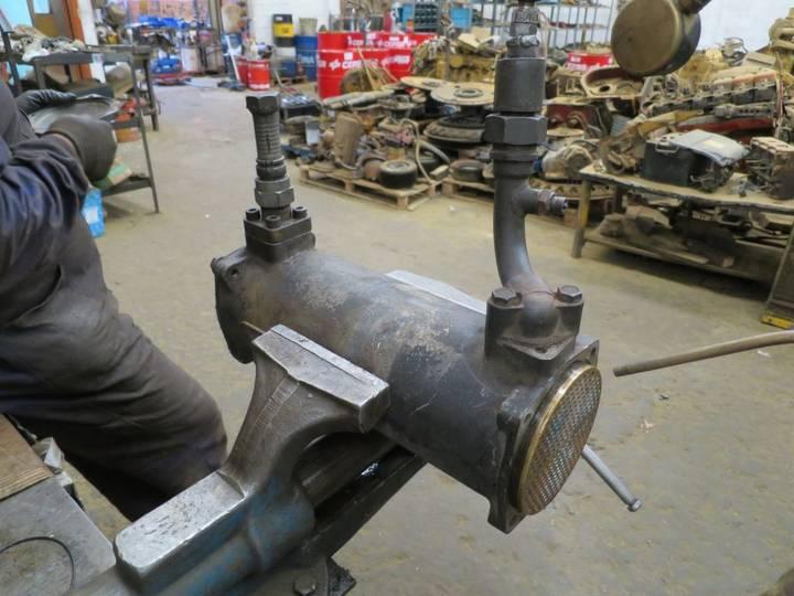 Oil cooler for excavator