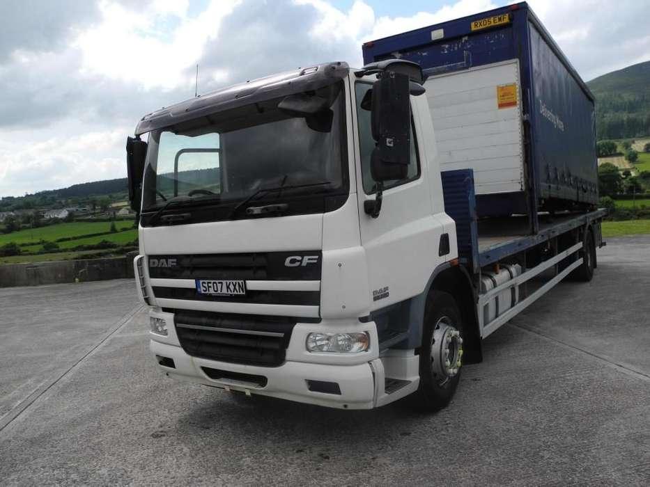 DAF 65 220 platte vrachtwagen - image 2