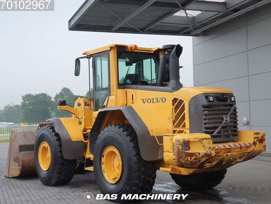 Volvo L120F Good condition - good tyres - 2012 - image 2