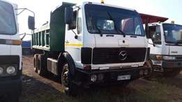 Mercedes Benz Tipper 10m3 407 Engine. Good running condition.