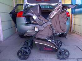 Chelino pram, carseat and ISOFIX base