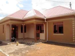 Brand new two contained bed room house at 400000 in Bukasa-Kirinya