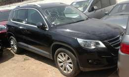 Volkswagen tiguan 2009 model black