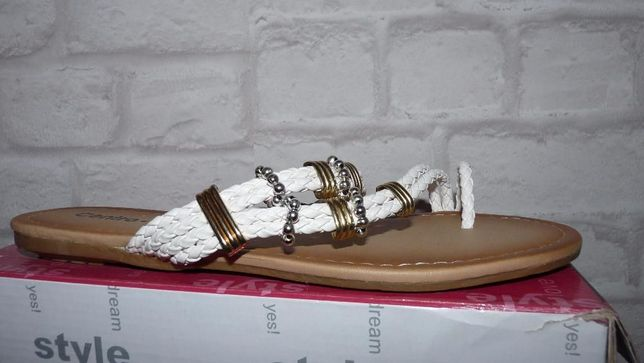 abddacad08388 Damskie buty klapki roz 40 białe klapeczki Wiskitki - image 2