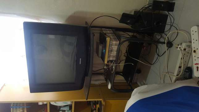 TV, stand and Gotv decoder Nairobi South - image 5