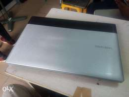 Samsung Notebook PC Dual Core 250gb/4gb 15inch