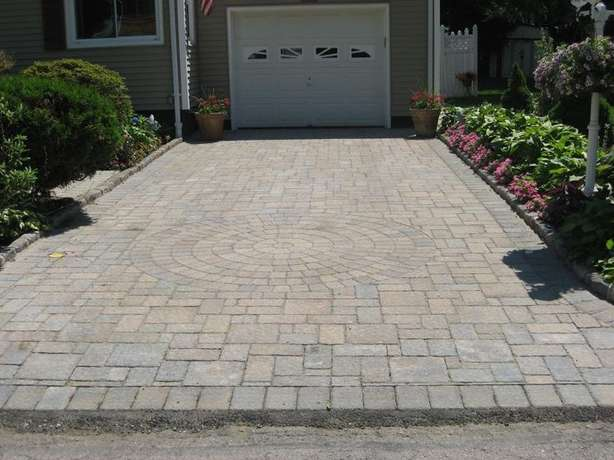 Neat driveways done at the cheapest price in town.R110 per square metr Rustenburg - image 2