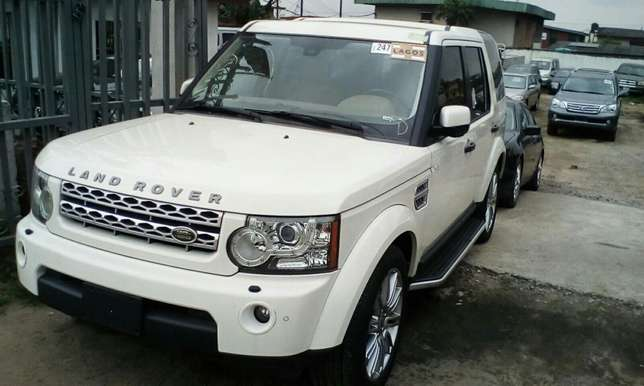 2011 Landrover LR4 Up For Grabs!!! Lagos Mainland - image 2