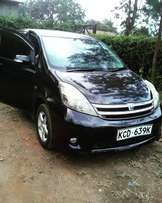 Toyota ISIS platana extremely Clean