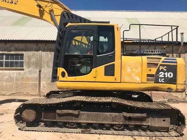 Komatsu Pc210-8 Excavator - 2006