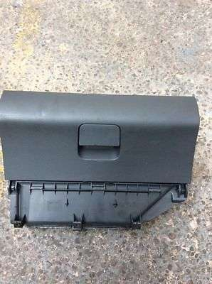 vw polo 9N 05 front glove compartment Donholm - image 1
