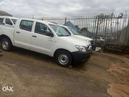 Hilux 2010 Clean Engine