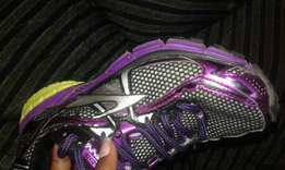 Size 38 second hand good quality affordable sneakers