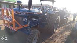 Tractor ford 5610