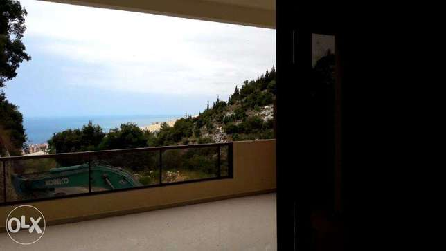 Apartment for sale in Safra with terrace / garden (sea view )