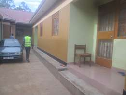 Ever green sitting room and bedroom for rent in Seeta-Town at 200k
