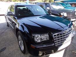 Chrysler 300C 3.5 Automatic in Excellent Condition!