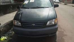 Tokunbo 2002 Toyota Seinna For Sale 1.750k