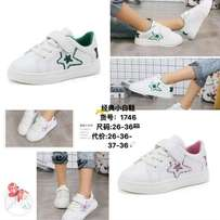 girl's casual shose