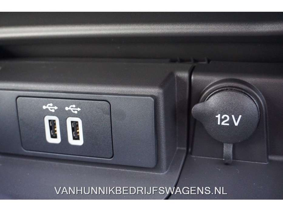 Ford Transit 330M 2.0 TDCI L2H2 Trend 130PK Automaat Navi, Tre... - 2019