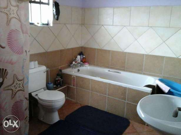 4 bedroom all ensuite City Centre - image 6