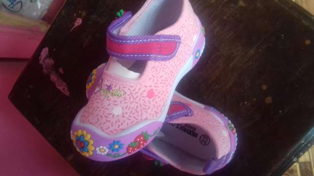 Prettie gals shoes. Karuri - image 3