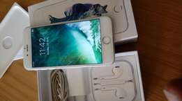 Iphone 6s with box and accessories