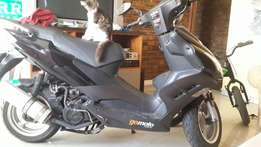 Black Gomoto nipping si 120cc in a very good condition.