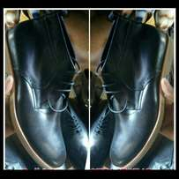 Gents black leather boot