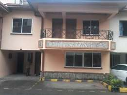 Spacious 4br with Sq town house to let in Valley arcade for 120k