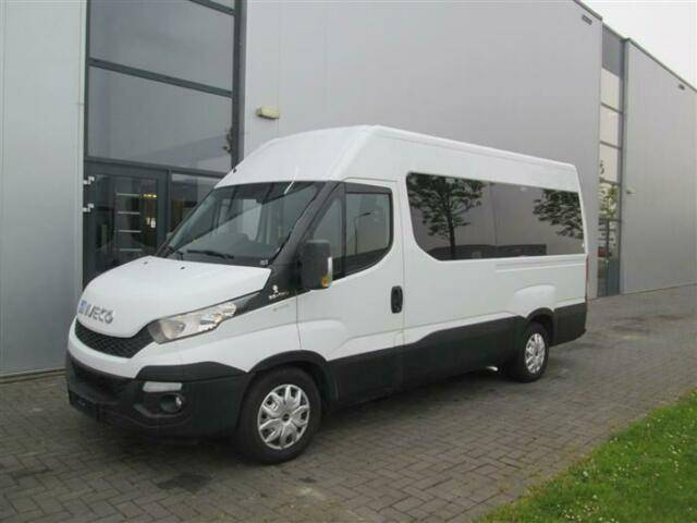 Iveco DAILY 35X130 MANUAL 9 SEATS AND 2 WHEELCHAIR - 2015