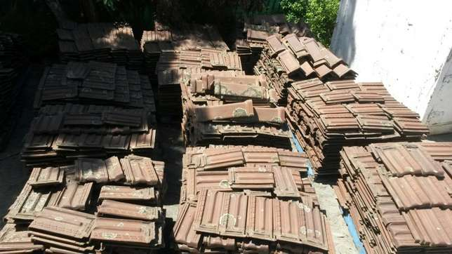 Marseilles roof tiles and ridging, plus minus 4000 available Moore Road - image 3