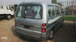 2002 Toyota Hiace 14 seaters.