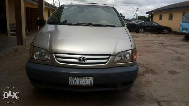 Toyota sienna at affordable price Akure South - image 7
