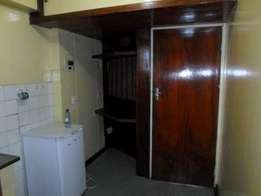 Jhb Cbd open plan studio apartment to let for R1600 Von Weilligh Str